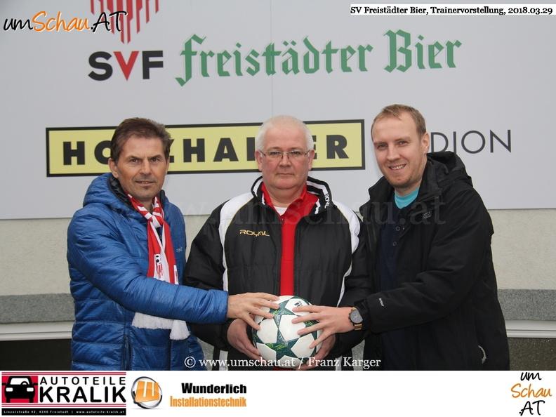Foto SV Freistädter Bier Trainerperäsentation Walter Lehner (c) www.umschau.at