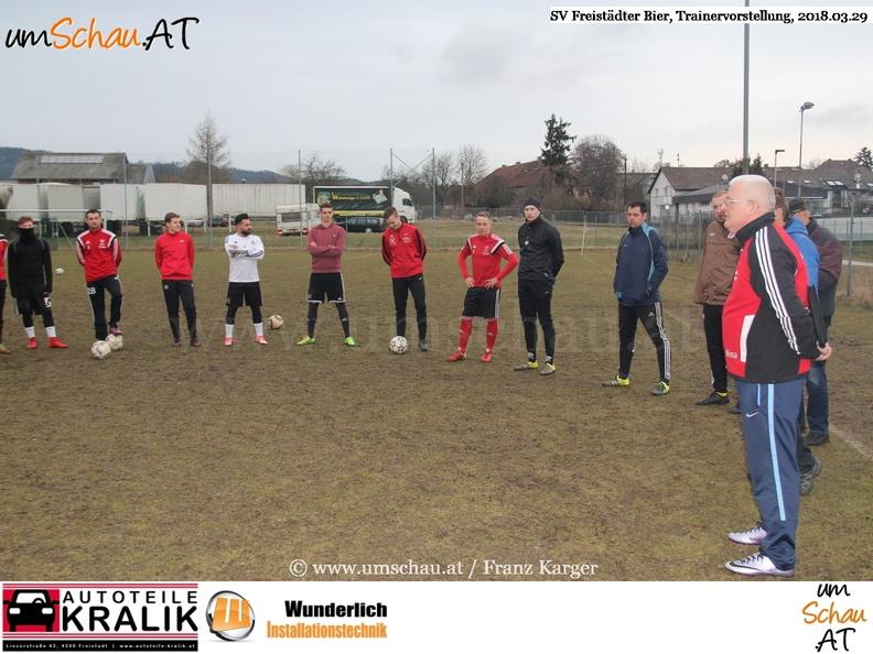 Foto SV Freistädter Bier Trainerpräsentation Walter Lehner (c) www.umschau.at