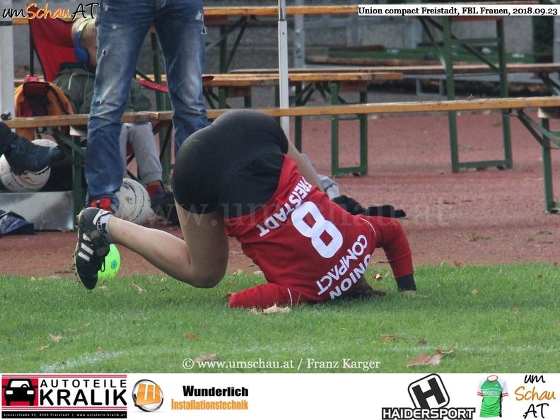 Spielszene Faustball Damen Union compact Freistadt