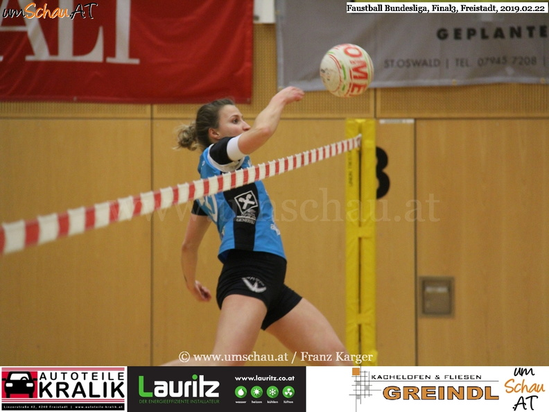 Foto Faustball Final 3 Union Nußbach Marlene Hieslmair (c) Franz Karger / www.umschau.at